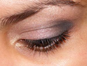 Tutorial: MAC Fafi Eyes 1