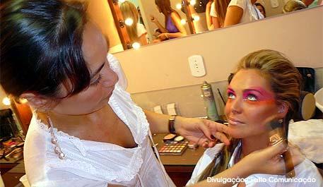 Cacá Make Up: Curso de automaquiagem em Porto Alegre
