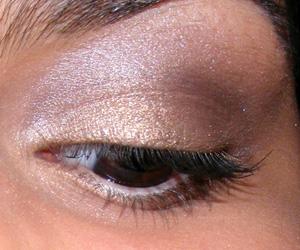 Look econômico: Khaki Dourado com sombras Panvel