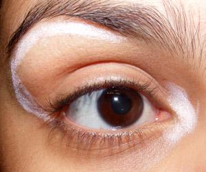 Resenha: Lápis Iluminador Eye Bright Benefit