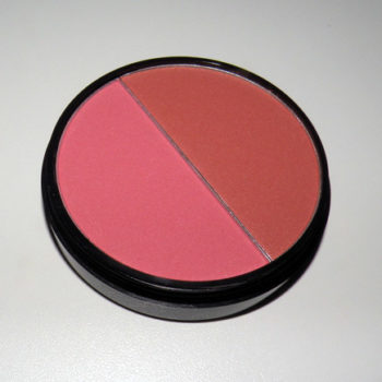 Resenha: Blush Your Face Plus Océane Femme (Rosa/Terra)