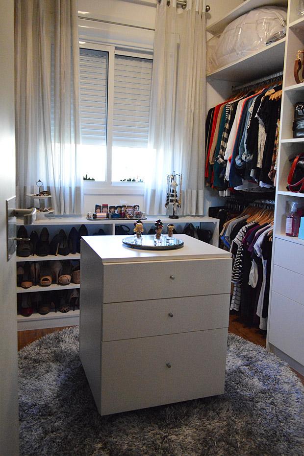 _closet1
