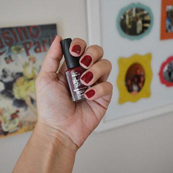 Quarta do Esmalte: Esmalte Cremoso Vermelho Glamour Coleção Lady Like Panvel