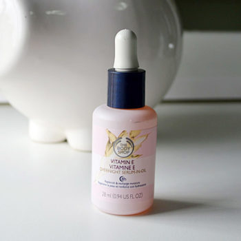 Produtos e Cuidados com a Pele: The Body Shop Vitamin E Overnight Serum-In-Oil