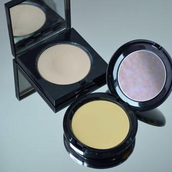 Comparação: Bobbi Brown Pó Pale Yellow x MAC Colour Correcting Compact Neutralize