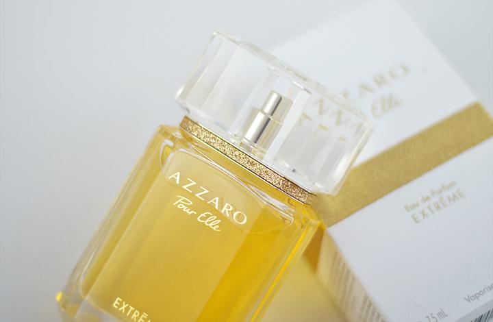 d4f53a2c532 Seu frasco é facetado e tem tampa que lembra um grande diamante. O design é  o mesmo do Eau de Parfum Azzaro Pour Elle ...