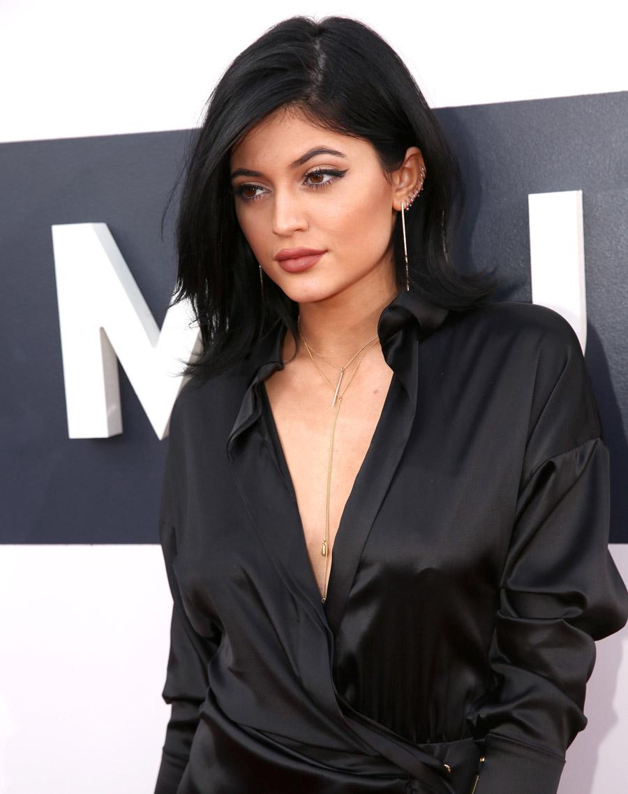 maquiagem para usar com vestido preto