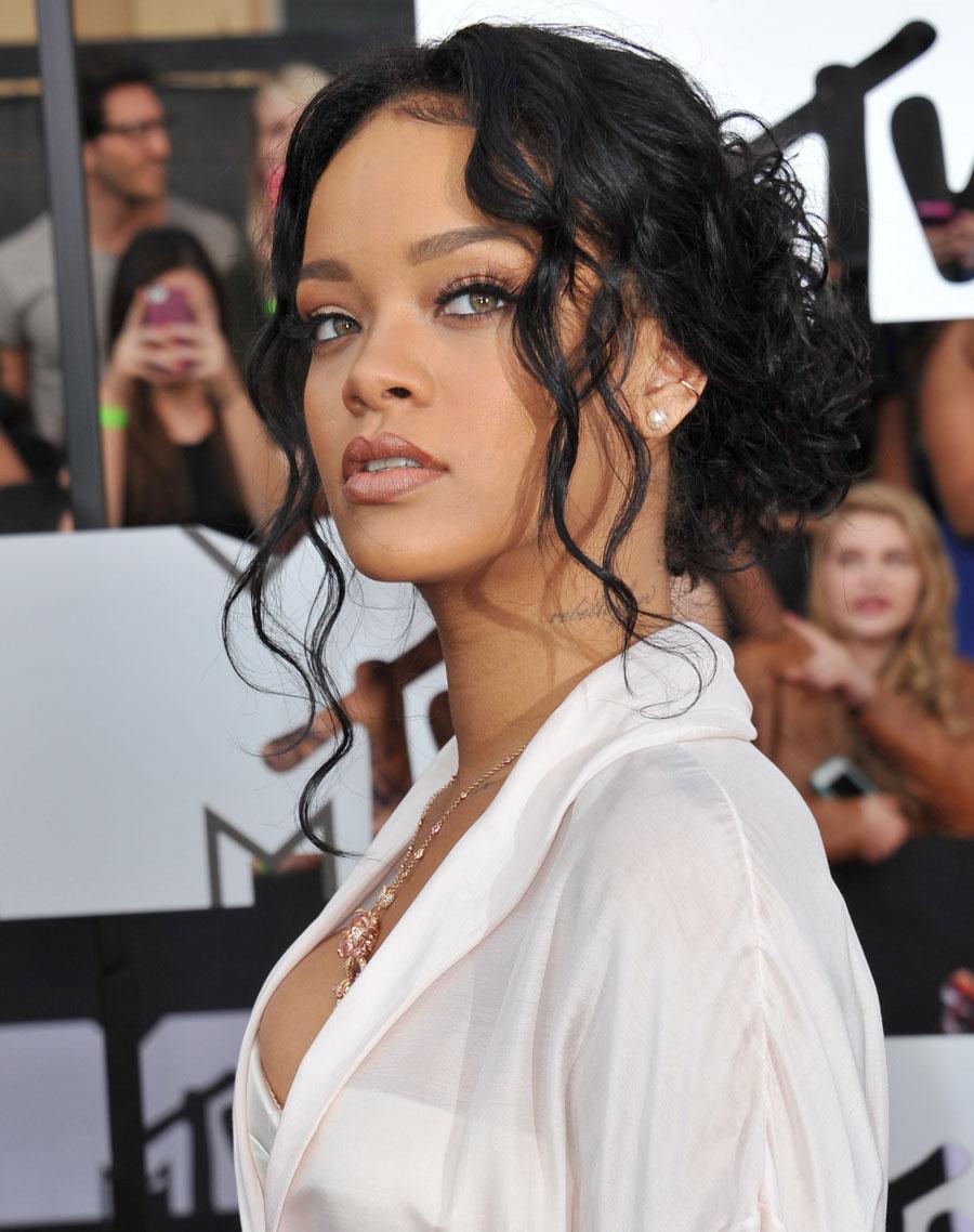 Maquiagem Rihanna