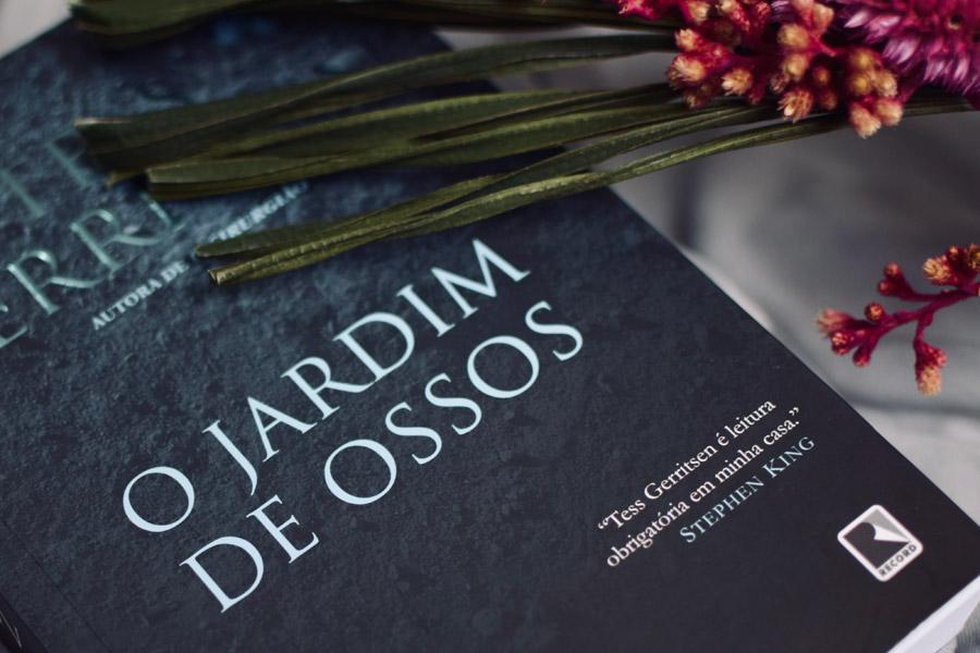 #Desafio1LivroPorMês: O Jardim de Ossos